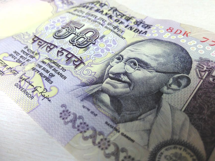 Introducing children to the currency of India