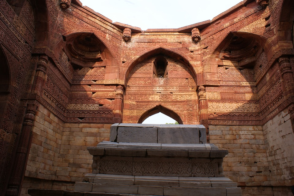 Reasons why you must take your child on historical places for summer vacations