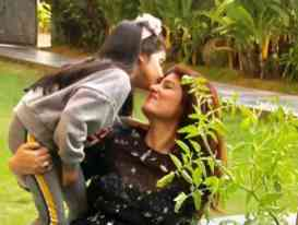 Twinkle Khanna with daughter